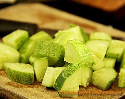 fried-tofu-with-vegetable-and-beef-recipe-dau-hu-xao-rau-voi-thit-bo