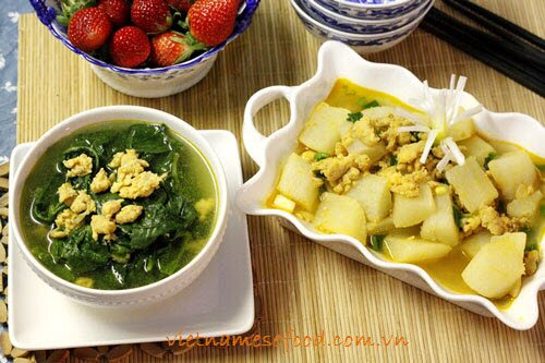 asian-spinach-soup-recipe-with-shrimps-recipe-canh-rau-mong-toi-nau-tom