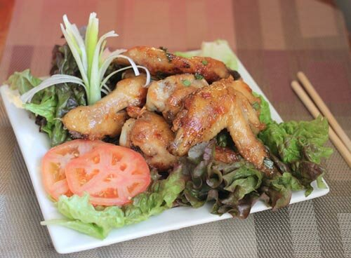 Grilled Chicken Wings with Butter and Garlic (Cánh Gà Rang Bơ Tỏi)