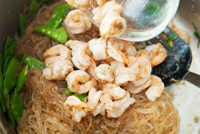 Stir-fried Clear Cassava Noodle with Shrimps (Miến Xào Tôm)