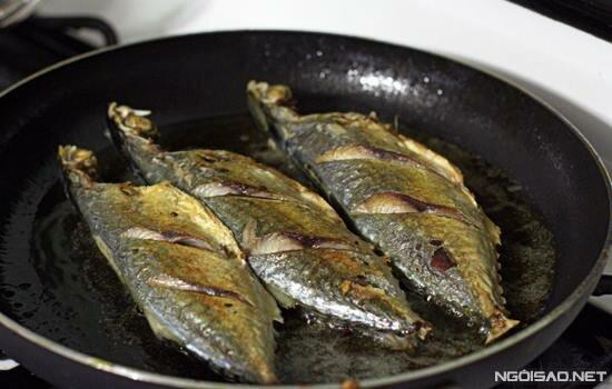 Braised Indian Mackerel Fish with Bamboo Shoots (Cá Bạc Má Kho ...