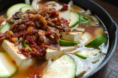 Zucchini%20Soup%20with%20Beef%20and%20Tofu%20(Canh%20B%C3%AD%20Ng%C3%B2i%20Th%E1%BB%8Bt%20B%C3%B2%20%C4%90%E1%BA%ADu%20H%C5%A9)%205