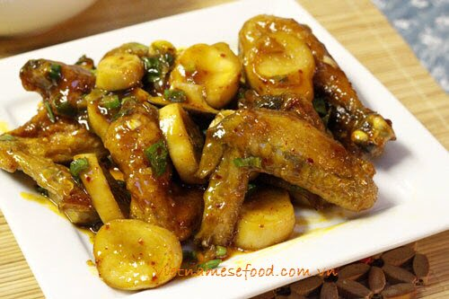 braised-chicken-wings-with-king-oyster-muhsrooms-recipe-canh-ga-kho-nam