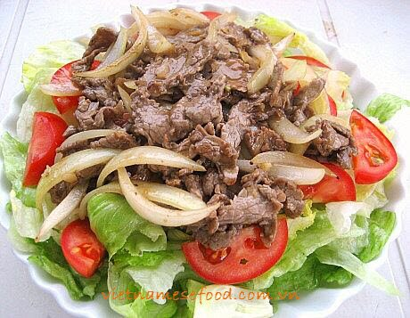 stir-fried-beef-with-ginger-and-onion-bo-xao-gung-va-hanh-tay
