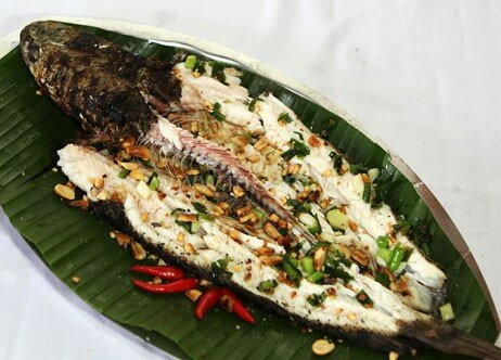 grilled-snakehead-fish-ca-loc-nuong-trui