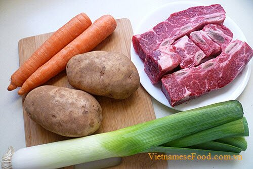 beef-meat-soup-with-vegetables-recipe-sup-bo