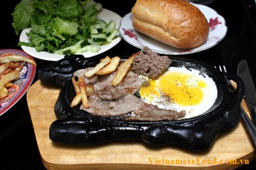 vietnamese-beef-steak-recipe-bo-bit-tet