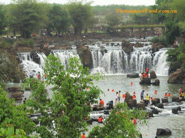 giang-dien-waterfall-eco-resort