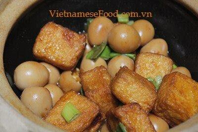 Braised Tofu with Quail Eggs Recipe (Trứng Cút Kho Đậu Hũ)