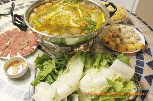 beef-balls-hot-pot-with-satay-recipe-lau-bo-vien-sa-te