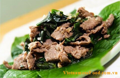 fried-pork-with-lotot-leave-recipe-thit-heo-xao-la-lot