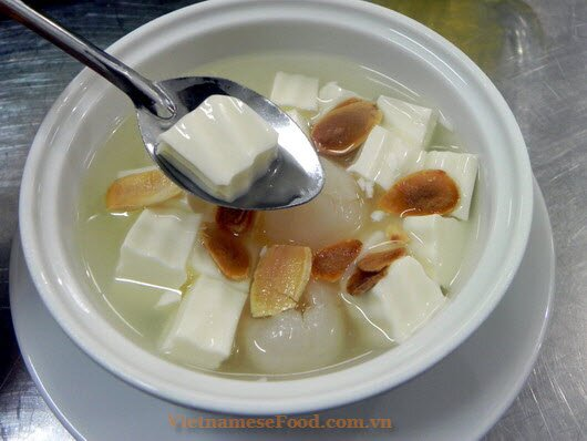 www.vietnamesefood.com.vn/almond-tofu-with-lychee-sweet-soup-recipe-che-khuc-bach