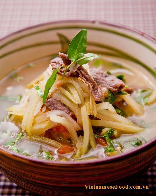 green-mango-with-beef-soup-recipe-canh-xoai-xanh-thit-bo