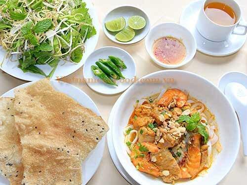www.vietnamesefood.com.vn/vietnamese-quang-noodle-recipe-mi-quang