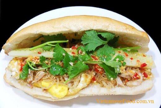 shredded-pork-skin-with-fried-egg-and-bread-recipe-banh-mi-op-la-bi
