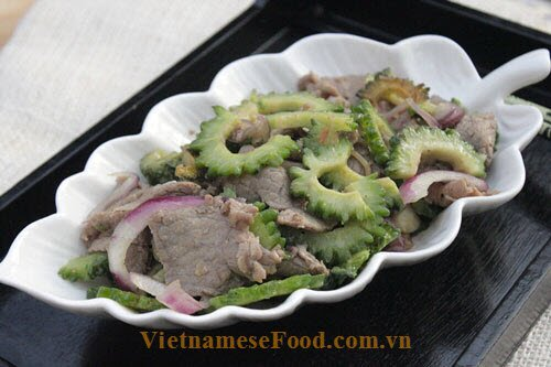 fried-beef-meat-with-bitter-melon-recipe-thit-bo-xao-kho-qua