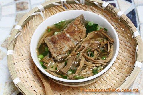 stewed-dried-bamboo-shoot-with-pork-bone-recipe-mang-kho-ham-xuong
