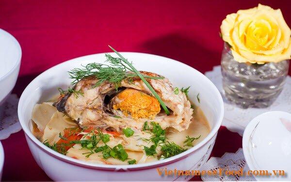 carp-fish-soup-with-bamboo-canh-ca-chep-nau-mang