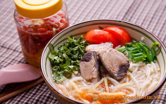 tuna-with-vermicelli-soup-bun-ca-ngu